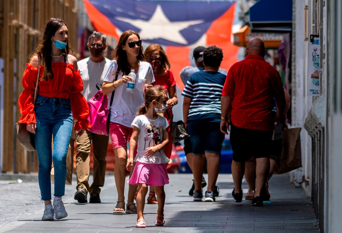 En Puerto  Rico se aprobaron tres aumentos al salario mínimo para los siguientes años.