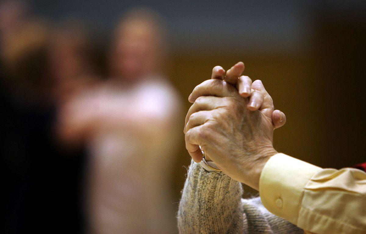 Hay una propuesta en el Congreso que busca otorgar cupones en efectivo de $1,000 dólares para las personas jubiladas.