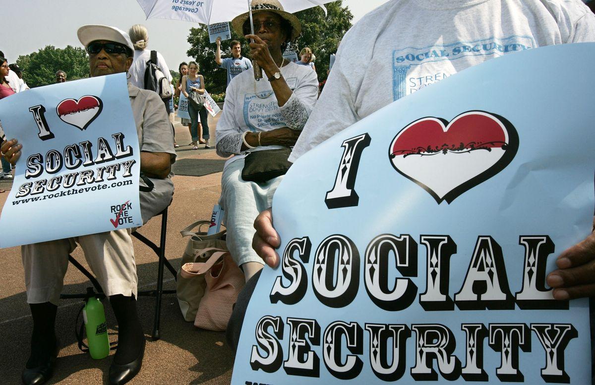 Diversos expertos aseguran que el panorama del Seguro Social tiene solución antes de llegar al fatídico 2034.