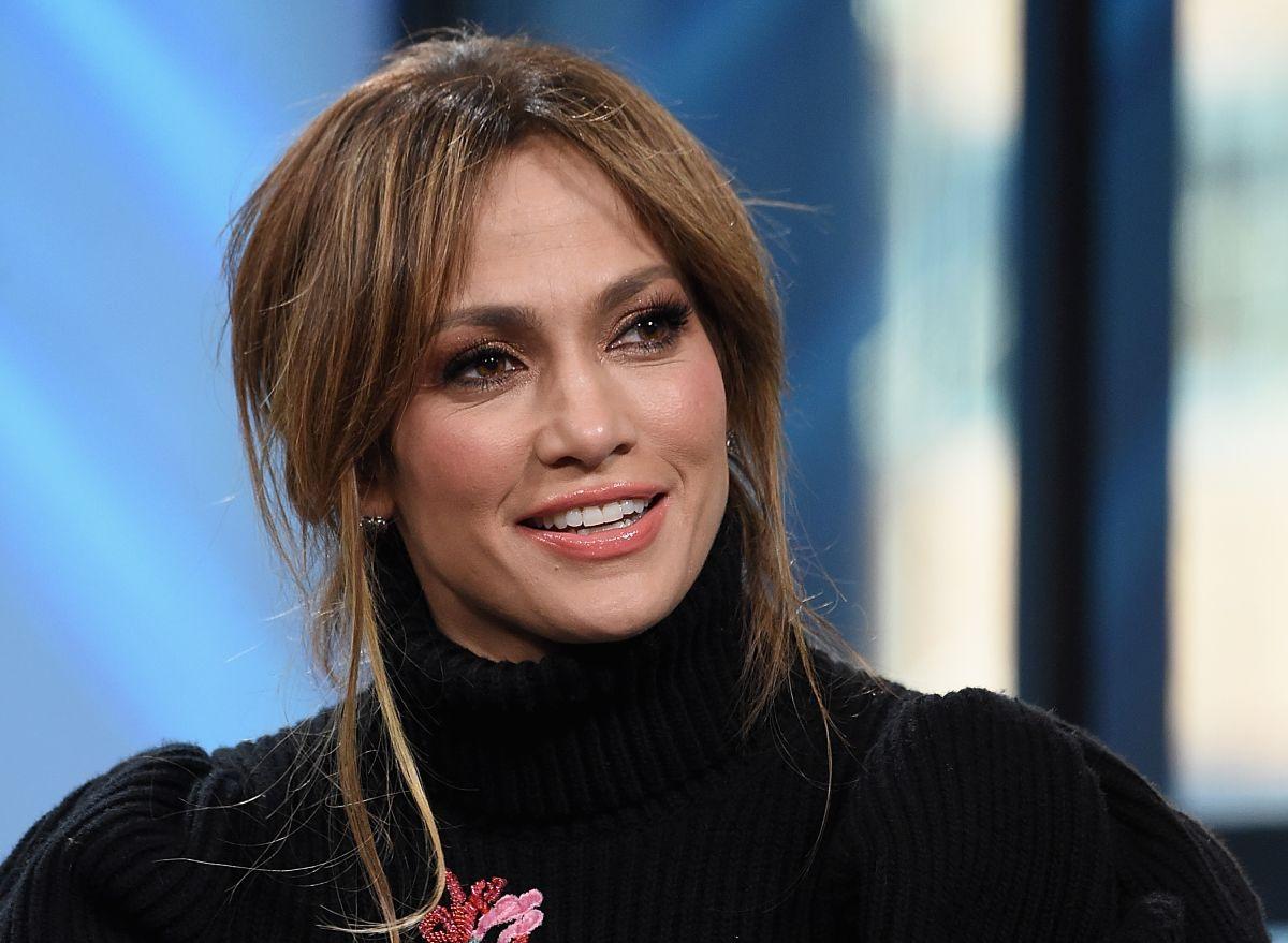 Jennifer Lopez participó en el Programa de Pequeñas Empresas de JP Morgan y se sintió orgullosa de sus raíces y de las empresarias latinas.