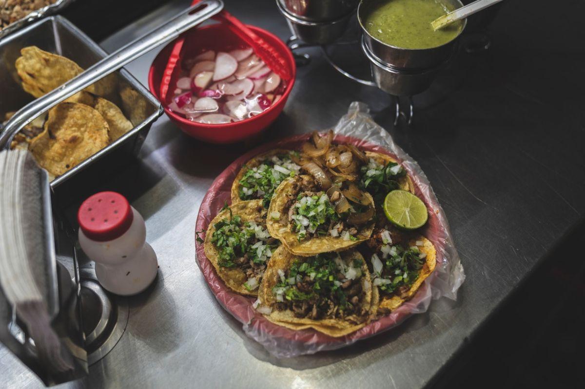 Los tacos mexicanos son una de las comidas más populares del país y son reconocidos internacionalmente.