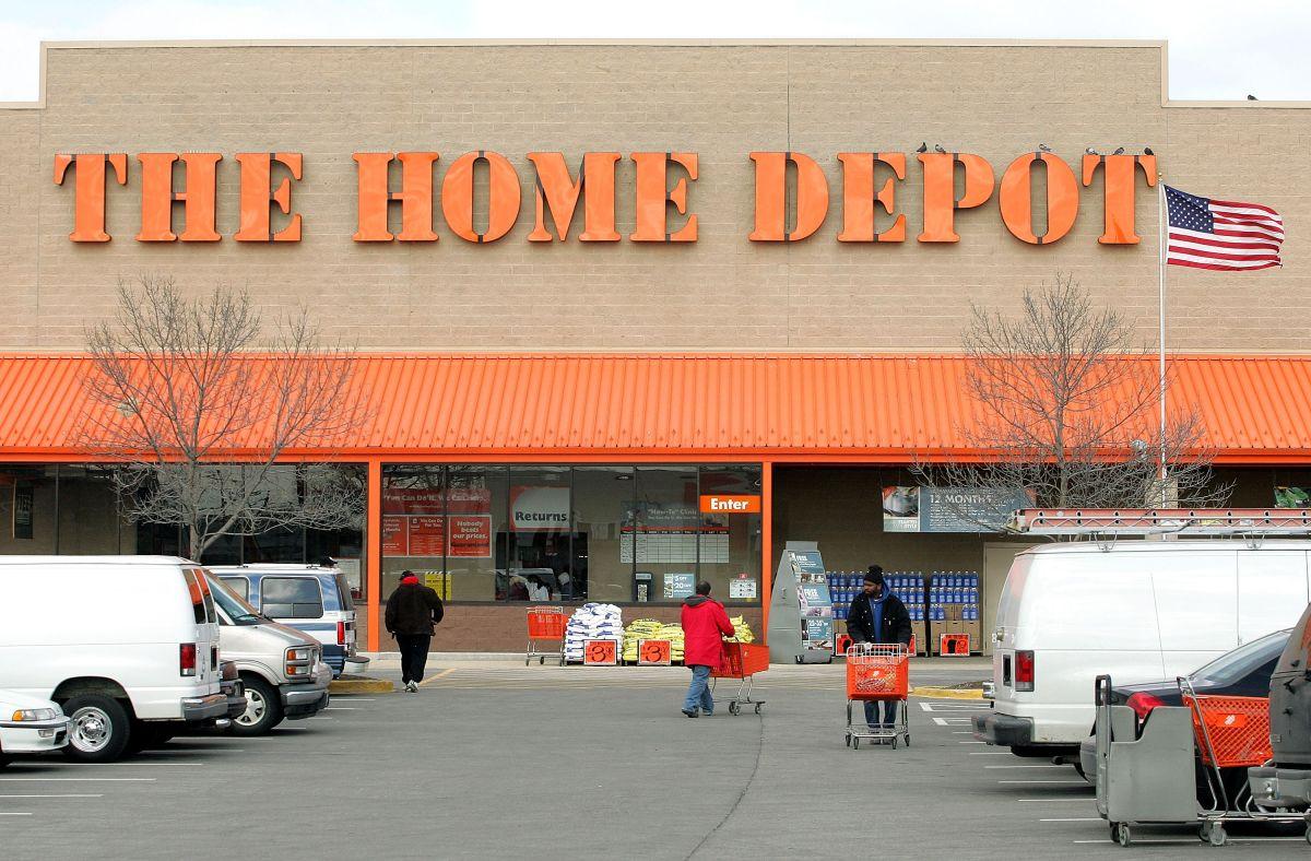The Home Depot acaba de contratar el servicio de entrega a domicilio de Walmart para sus ventas en línea. (Foto por Tim Boyle/Getty Images)