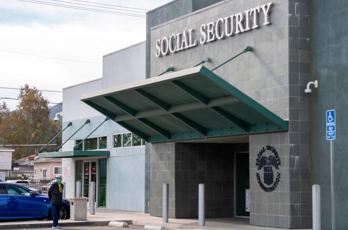 La Administración del Seguro Social podría enviar beneficios más altos en 2022.