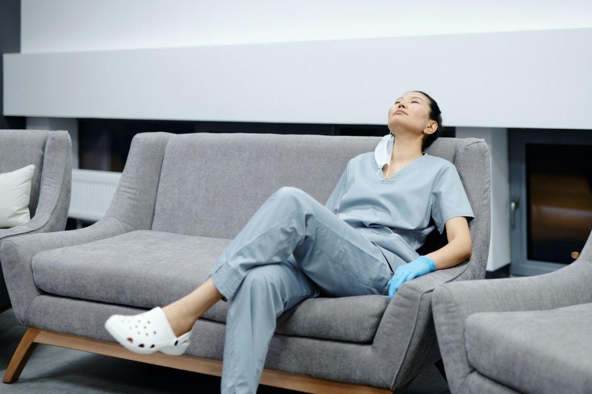 Las enfermeras en Estados Unidos están sufriendo de agotamiento y por eso están abandonando los trabajos.